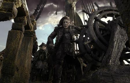 Pirates_of_the_caribbeandead_men_te