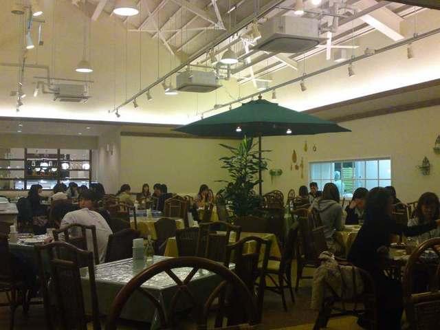 ベーカリーイタリアンレストラン「マカロニ市場」三島店