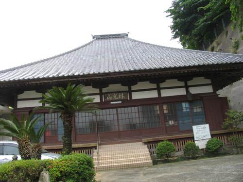 沼津戸田【宝泉寺露人の墓】